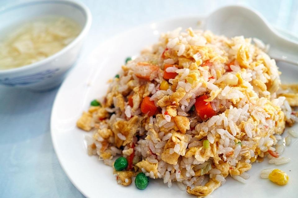 Smažená rýže s krůtím masem